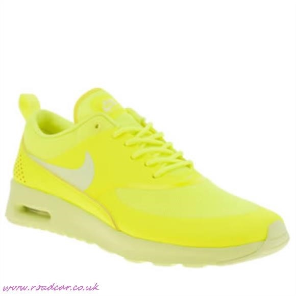 yellow nike trainers
